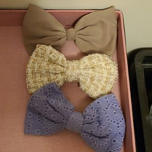 Bow hair clips - FREE - with purchase!